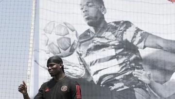 Ket Foto : Real Madrid rela tukar guling Toni Kross dan Paul Pogba. (AP Photo/Lee Jin-man)