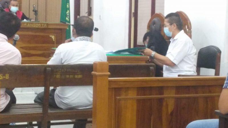 Ket Foto : Kedua saksi dihadirkan JPU di ruang Cakra 9 Pengadilan Negeri Medan.