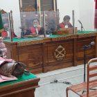 Ket Foto : JPU membacakan tuntutan secara video conference di ruang Cakra 3 Pengadilan Negeri Medan.