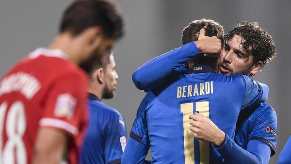 Ket Foto : Timnas Italia menang 2-0 atas Polandia di laga lanjutan UEFA Nations League. (Fabio Ferrari/AP)