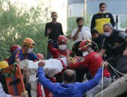 Gempa di Turki, Seorang Balita Selamat dari Runtuhan Bangunan