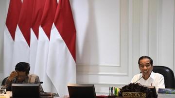 Ket Foto : Presiden Joko Widodo (kanan) didampingi Menko Polhukam Mahfud MD (kiri) saat memimpin Sidang Kabinet Paripurna di Kantor Presiden, Jakarta, Kamis (14/11/2019). (Antara)