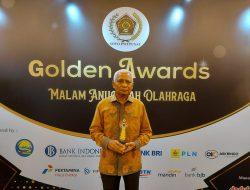 Bupati Asahan Terima Penghargaan Golden Award Malam Anugrah Olah Raga Siwo PWI 2020