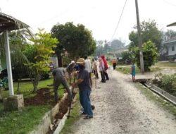Pimpin Gotroy, Camat Kisaran Barat Imbau Warga Jaga Kebersihan