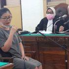 Ket Foto : Terdakwa Marianty saat memberikan keterangan di ruang Cakra 9 Pengadilan Negeri Medan.