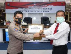 Kabidkeu Polda Sumut Terima Penghargaan Dari KPP Pratama Medan Kota